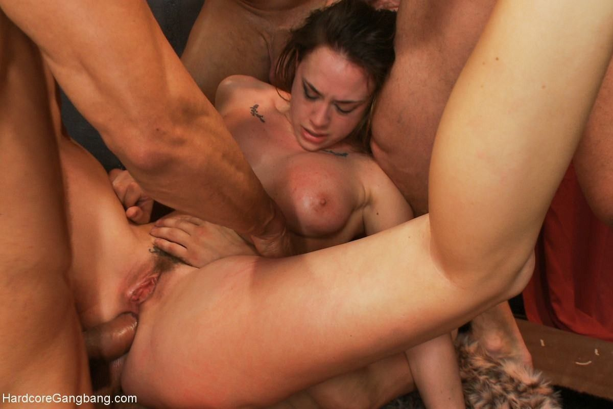 Bitch queen fucked in all of her magical holes