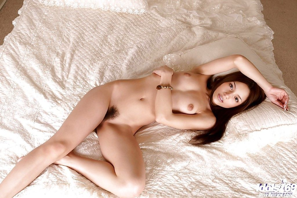 Amazingly beautiful asian babe with tiny tits slipping off her bikini