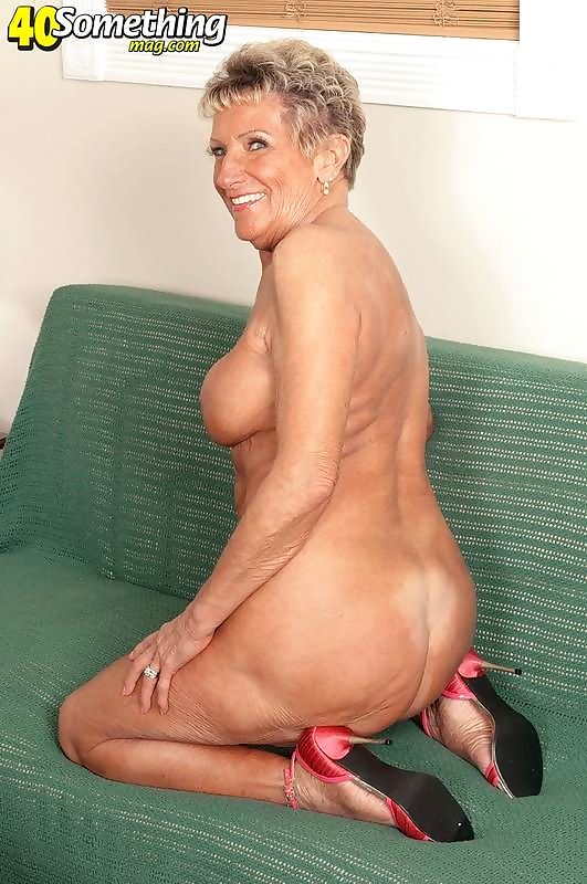 Naughty sexy granny lady showing perfecy aged body - part 4091