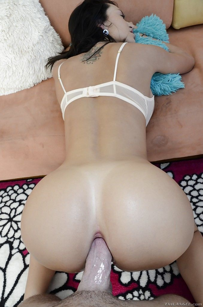 Busty latina Franceska Jaimes gets her asshole licked and drilled hardcore - part 2