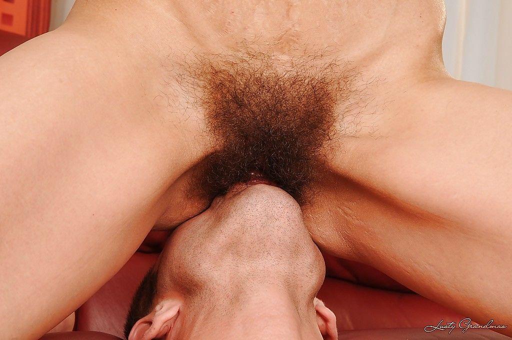 страстный волосатый кунилингус вот его родной