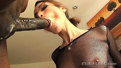 Amber Rayne loves to suck cock!HD