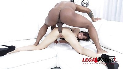 Sandra Luberc prefers 100% anal..