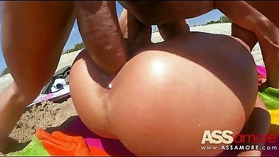 Patty Michova Fucking At The Beach