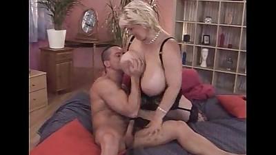 Huge tits mum