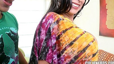 Exotic MILF does Her first PornHD