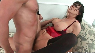 Milf Mandy Bright gets trashed by..
