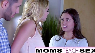 MomsTeachSexShowing My Teen..
