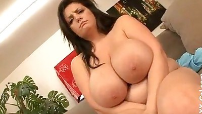 Arianna SinnRomanian BBW Beauty