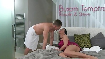 Buxom brunette mom pussy rubbed..