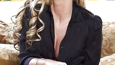 Blonde milf with big tits Phoenix..
