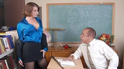 Busty experienced chick Kayla..
