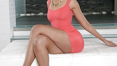 Mature ebony housewife Halona..