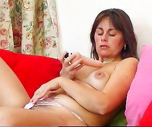 Renata Troia Plays..