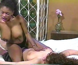 Ebony Ayes vs Keisha Dominguez