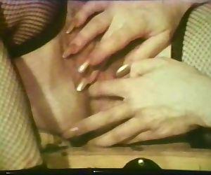 Lesbian Peepshow Loops 537 70s..