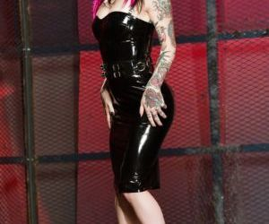 Tattooed amateur chick Joanna Angel removes latex dress to..