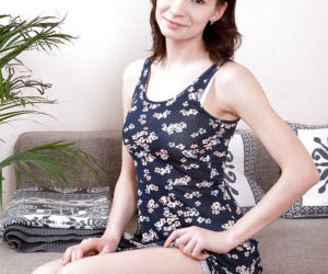 Teen amateur Taffy removing lace lingerie to make nude..