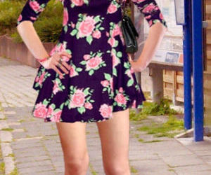 Picture- Sexy Sandra im Floral Skater Dress