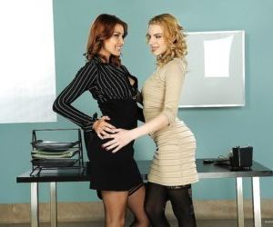 European lesbian Cindy Hope fucks her cute office whore..
