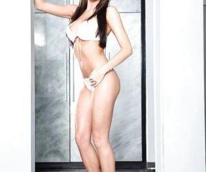 Pornstar milf Kortney Kane gets drilled in her lovely..
