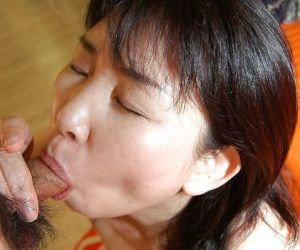 Asian fatty Sumie Nagai sucks wild dick and gets her hairy..