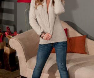 MILF first timer Meet Madden stripping off rolled jeans..