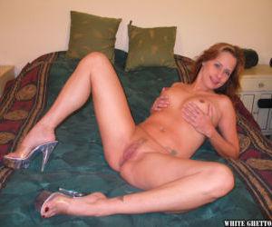 Beauty mature Sherri Parker is lying and masturbating her..