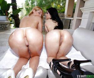 Lesbian first timers Jenna Ashley and Katrina Jade lick..