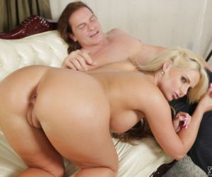 Milf Phoenix Marie demonstrates her sexy booty during..