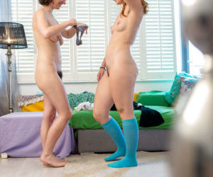 Yara and Livia V nude posing when getting ready to make..