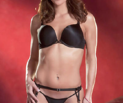 Alyssa Reece feels eager to remove her black lingerie and start playing